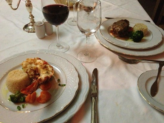 Melia Buenavista: Surf and Turf night at Los Caribes