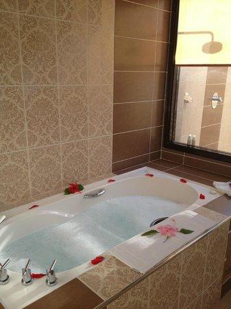 Melia Buenavista: Daily bubble bath