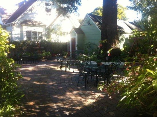 Centrella Inn:                   Garden