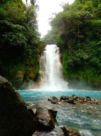 Rio Celeste:                   Waterfall