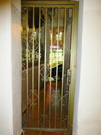 The Boutique Hotel Amman:                   gated entrance