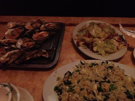 Vienna Hotel Huizhou Maidi: カラオケで夕食