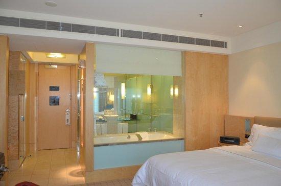 โรงแรมเวสติน ซิดนีย์: view of bathroom