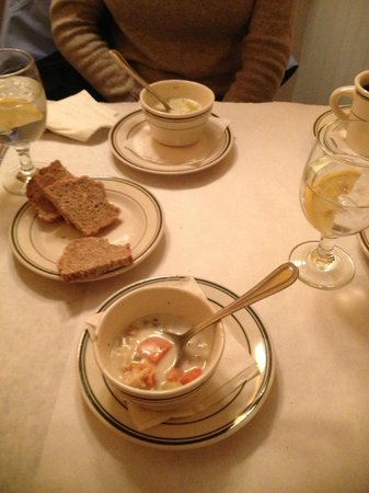 The Pub: Clam chowder and potato leak soup. Both flavorless