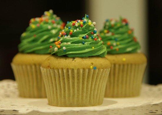Little Cupcakes: matcha green tea (lovely)