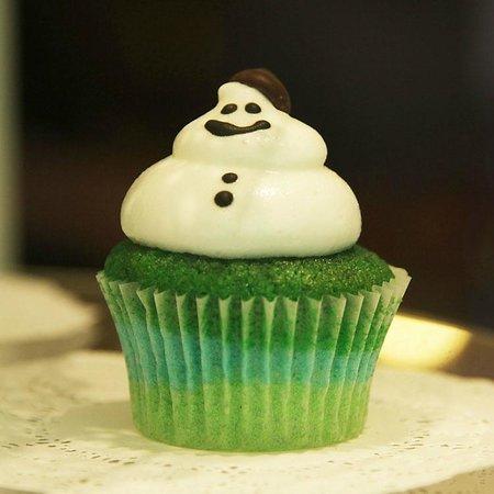 Little Cupcakes: snowman meringue