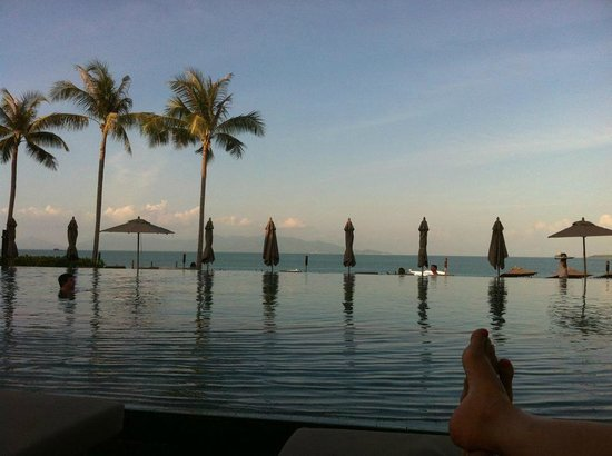 Hansar Samui Resort: View from pool