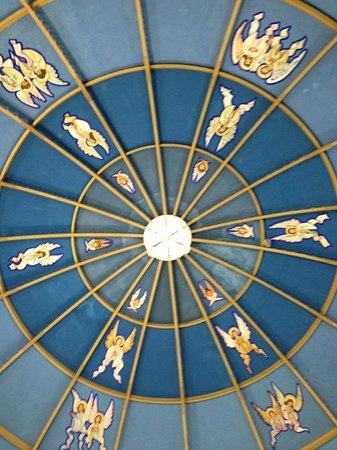 La Catedral:                   ceiling