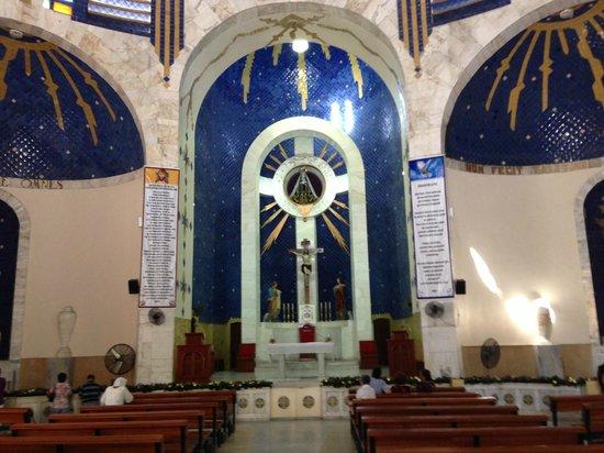 La Catedral:                   altar