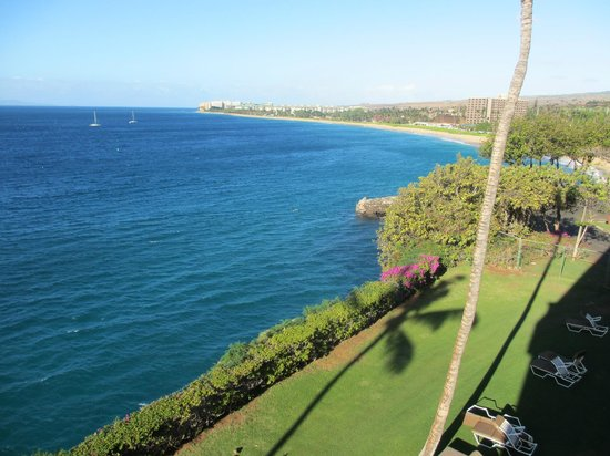 Sheraton Maui Resort & Spa:                   view from our balcony building 6