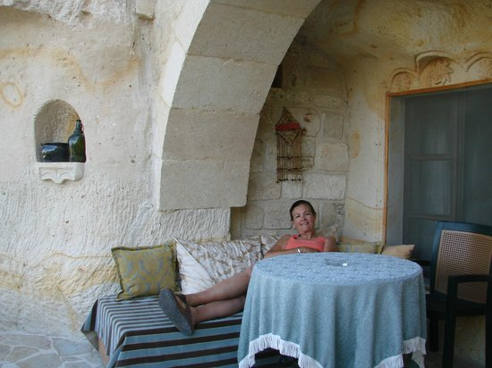 Elkep Evi Cave Hotel: Relaxing outside my room