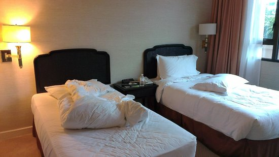 Swissotel Merchant Court Singapore:                   Twin beds. Classic Room