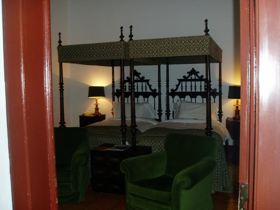 Pousada de Estremoz - Rainha Santa Isabel: Beautiful appointed rooms