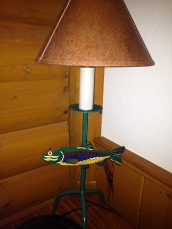 Baker Creek Mountain Resort: fish lamp upstairs