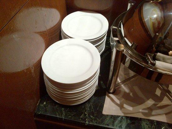 Hilton Singapore:                   very small plates