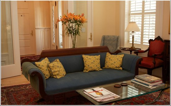 Embassy Circle Guest House: Lounge area