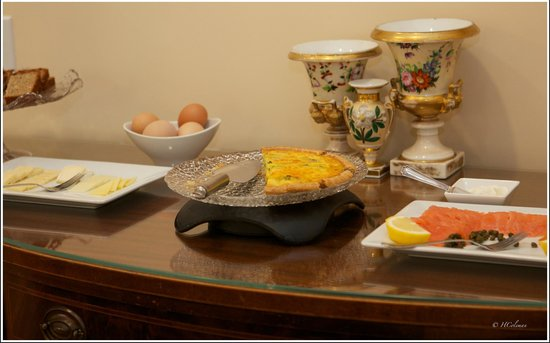 Embassy Circle Guest House: Breakfast