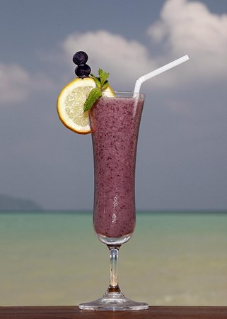 Friendship Beach Resort & Spa by iCheck Inn: Mixed Berry Shake - full of flavour and goodness