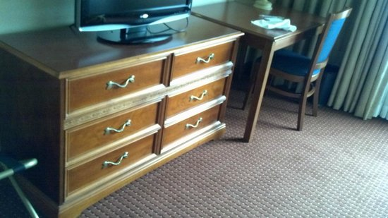 Embassy Suites by Hilton Columbus Dublin:                   room Dresser from 1988