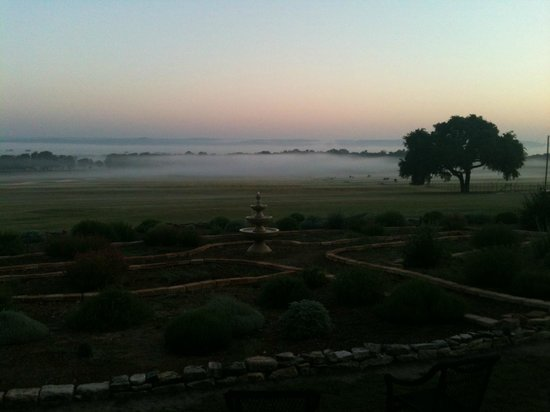 Rose Hill Manor - AAA Four Diamond Inn:                   am sunrise
