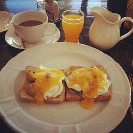 The Hen Hua Hin:                   Breakfast