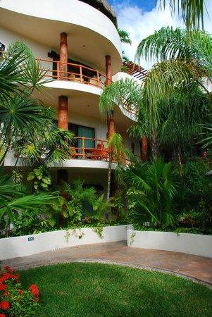 Porto Playa Condo Hotel & Beachclub: Green area