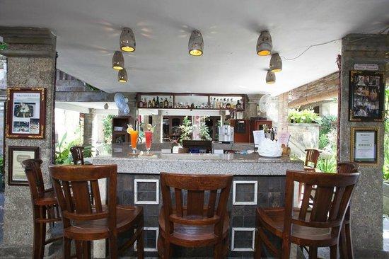 تاموكامي هوتل: Caesar's Bar