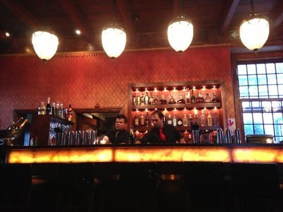 Kitima at The Kronendal: Die Bar im Eingangsbereich