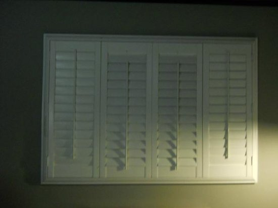 BLVD Hotel & Suites: pretty shutters