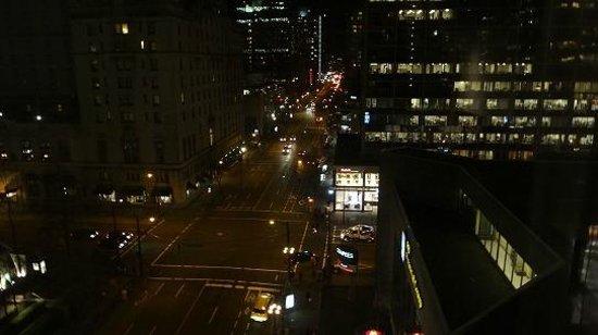 Hyatt Regency Vancouver: 9Fの眺め