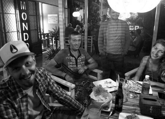 Mondo Restaurant & Lounge:                                     friends meeting