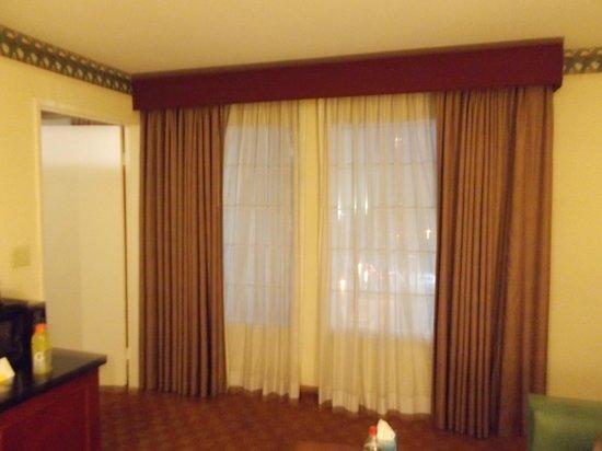 La Quinta Inn & Suites Anaheim Disneyland: Livingroom