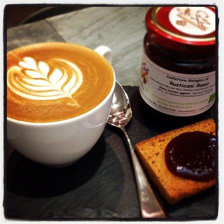 Le Petit Cafe: Cappuccino Cru