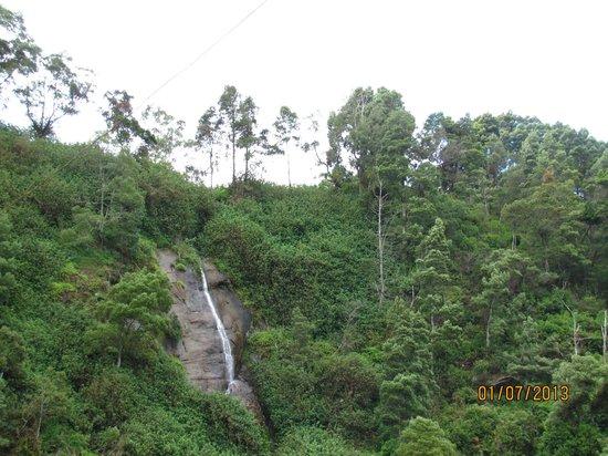 Ashley Resorts: waterfall near the hotel
