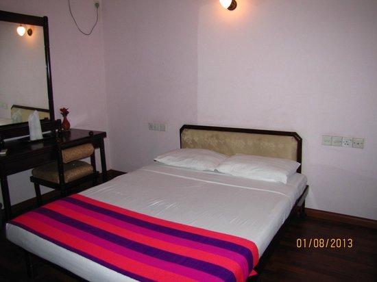 Palace Hotel: Room