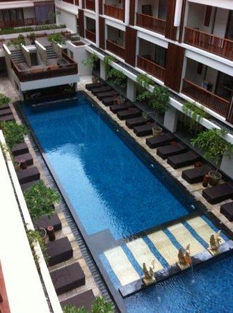 The Magani Hotel and Spa:                   nice compact pool area