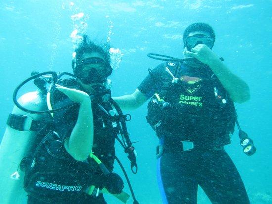 Super Divers:                   Diving