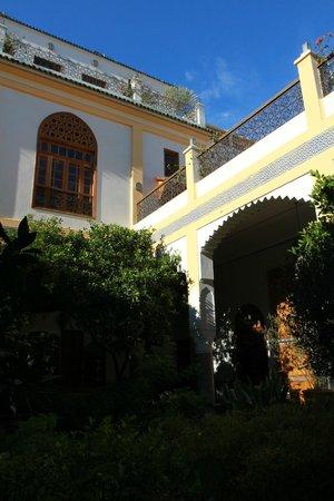 قصر أماني:                                                                                           Parti 