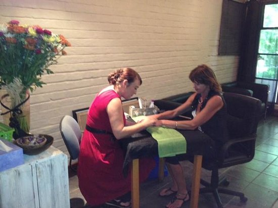 Far Hills Country Hotel: Marjan Nail Bar Far Hills Hotel