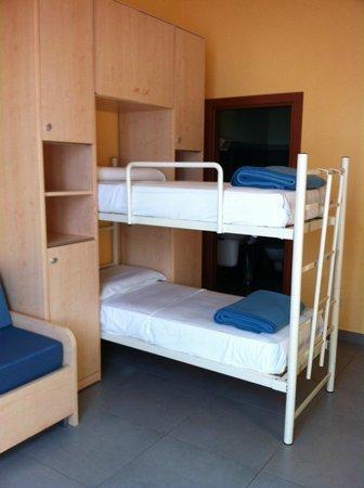 Cea Ostello Portovenere : Camera-dormitorio