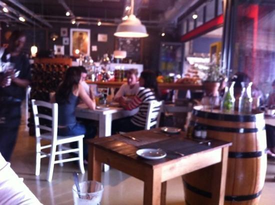 Mon Petit Throbb: Very nice food and atmosphere