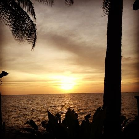 Shangri-La's Tanjung Aru Resort & Spa:                   sunset at the hotel