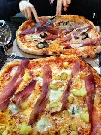 pizza rossi paris op ra bourse restaurant avis num ro de t l phone photos tripadvisor. Black Bedroom Furniture Sets. Home Design Ideas
