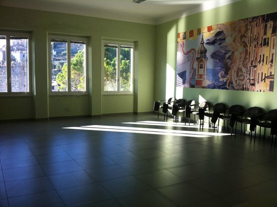 Ostello Portovenere: Sala per seminari, danza, yoga,ginnastica, ecc.