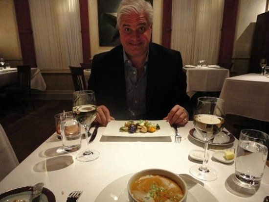 Gramercy Tavern: Nice tables, well set apart too