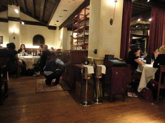 Gramercy Tavern: Nice room