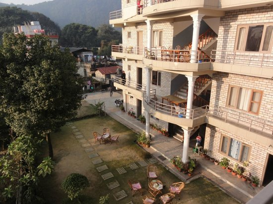 Hotel Lotus Inn:                   the peaceful garden in the sun