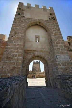 Bunol, Spain: Torre de entrada
