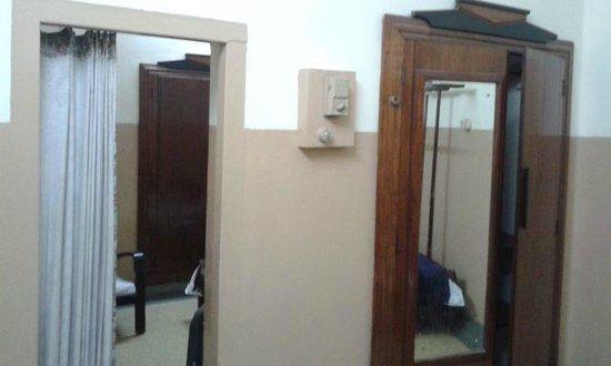 Mysore Dasprakash: Room
