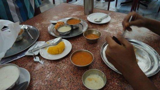 Mysore Dasprakash: Food